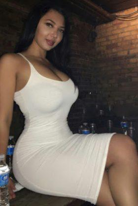 Escort Amina Hot Bae